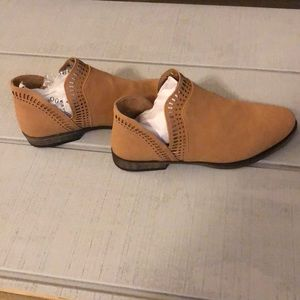Bamboo Camel Ankle Boot. Size 8.